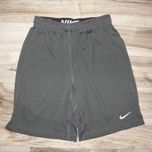 NIKE Dri-Fit. boys shorts  sz. Large